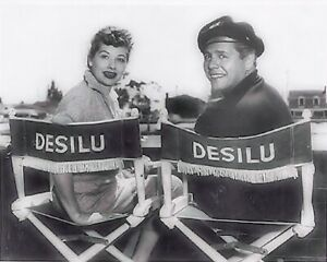 Lucille-Ball-and-Desi-Arnaz-034-IN-034-I-LOVE-LUCY-034-8X10-PUBLICITY-PHOTO