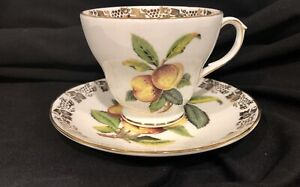Vintage-Duchess-England-Bone-China-Peaches-Tea-Cup-and-Saucer-Set