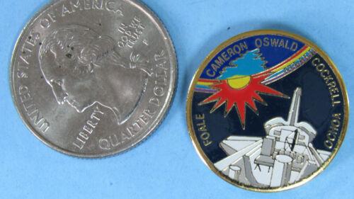 PIN enamel vtg NASA Space Shuttle STS-56 mission Ochoa Foale Cockrell Oswald