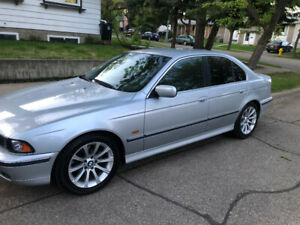 BMW. 528i 1997 low kms E39 *reduced** read full ad