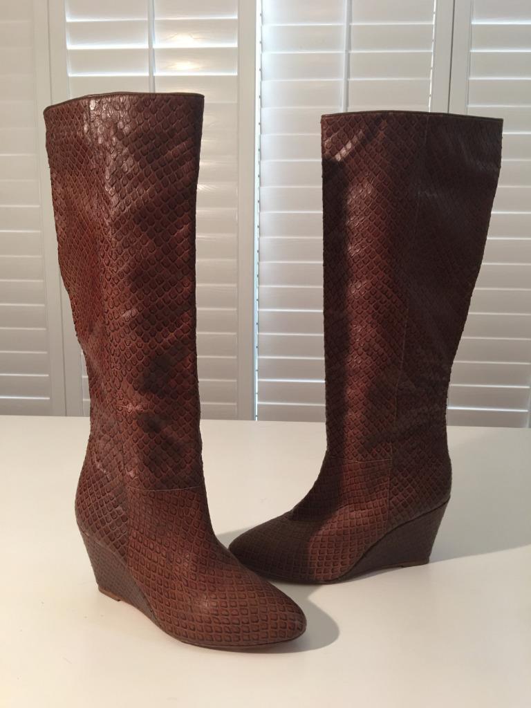 NWOB Authentic Loeffler Randall 'Sophie' braun Anaconda Snake Snake Snake Tall Stiefel sz 7B b40283