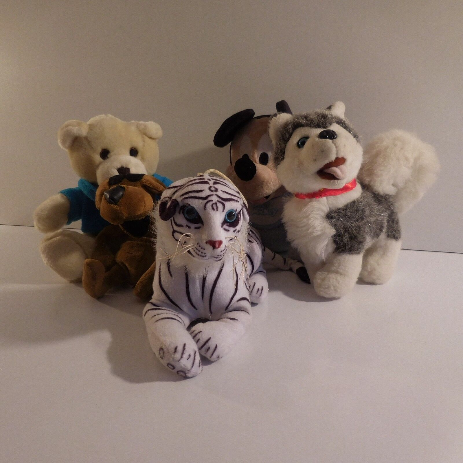 5 Figurens Toys Animals Hund Husky Tiger Mouse Mickey Bear Teddy N3350