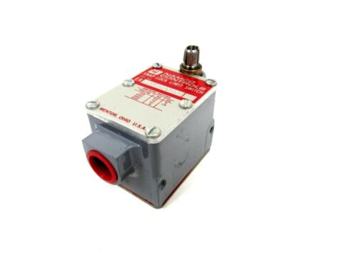 NEW NAMCO EA70010010 SNAP LOCK LIMIT SWITCH EA70010010