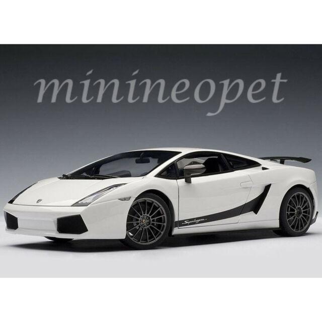 Lamborghini Gallardo Superleggera In White 1 18 Scale Diecast By