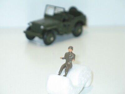 brun ou vert soldat assis militaire pour camion berliet grue DINKY TOYS 80b