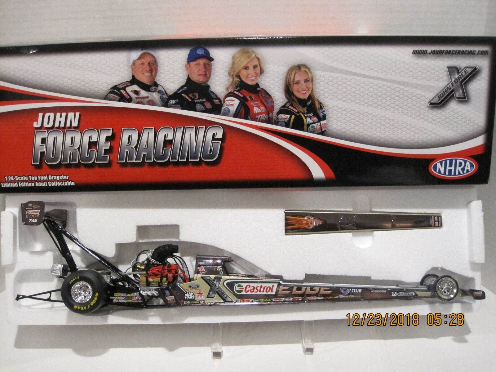 BRITTANY FORCE 2013 CASTROL EDGE COLOR CHROME  DRAGSTER 1 24