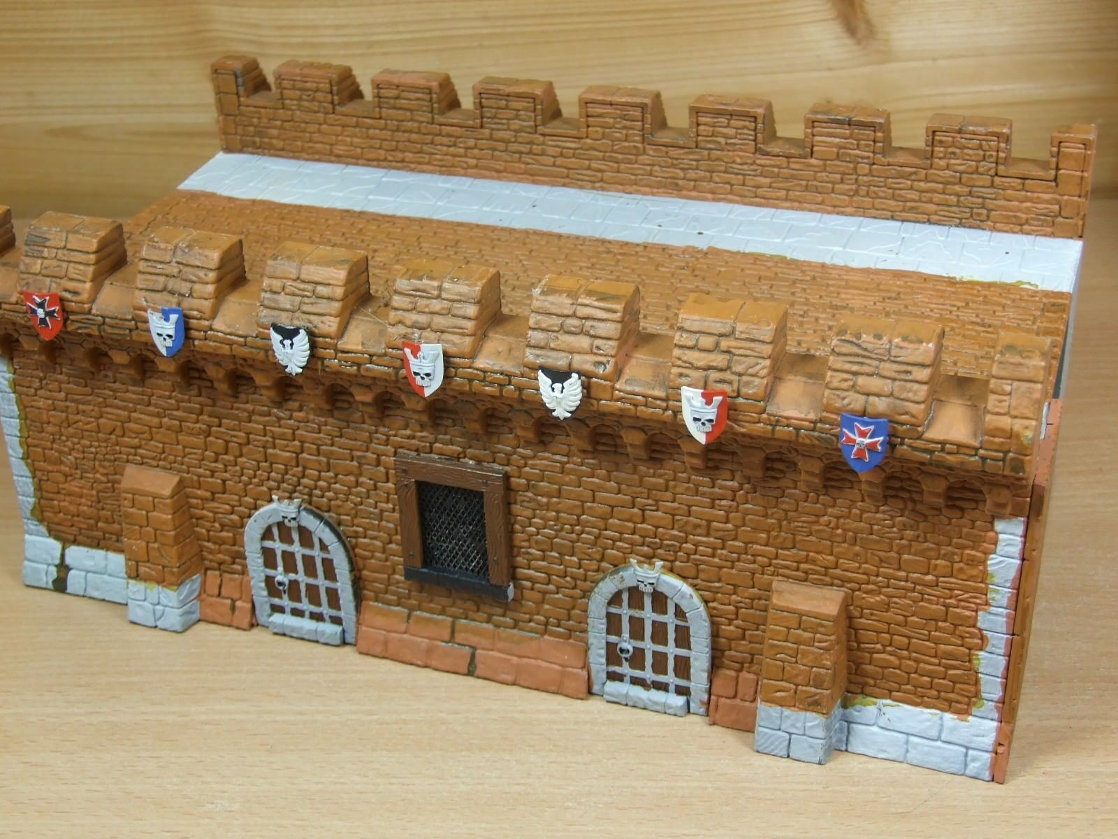 CONgreenED WARHAMMER FORTRESS WALL SECTION PART PAINTED (L)