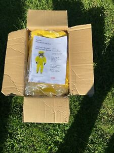 Protective Suit: DUPONT Hooded Tychem(R) QC, Bound 4 Original Box With Manual