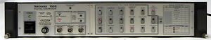 TEKTRONIX-1900-NTSC-DIGITAL-TEST-SIGNAL-GENERATOR-POWERS-UP-OKAY