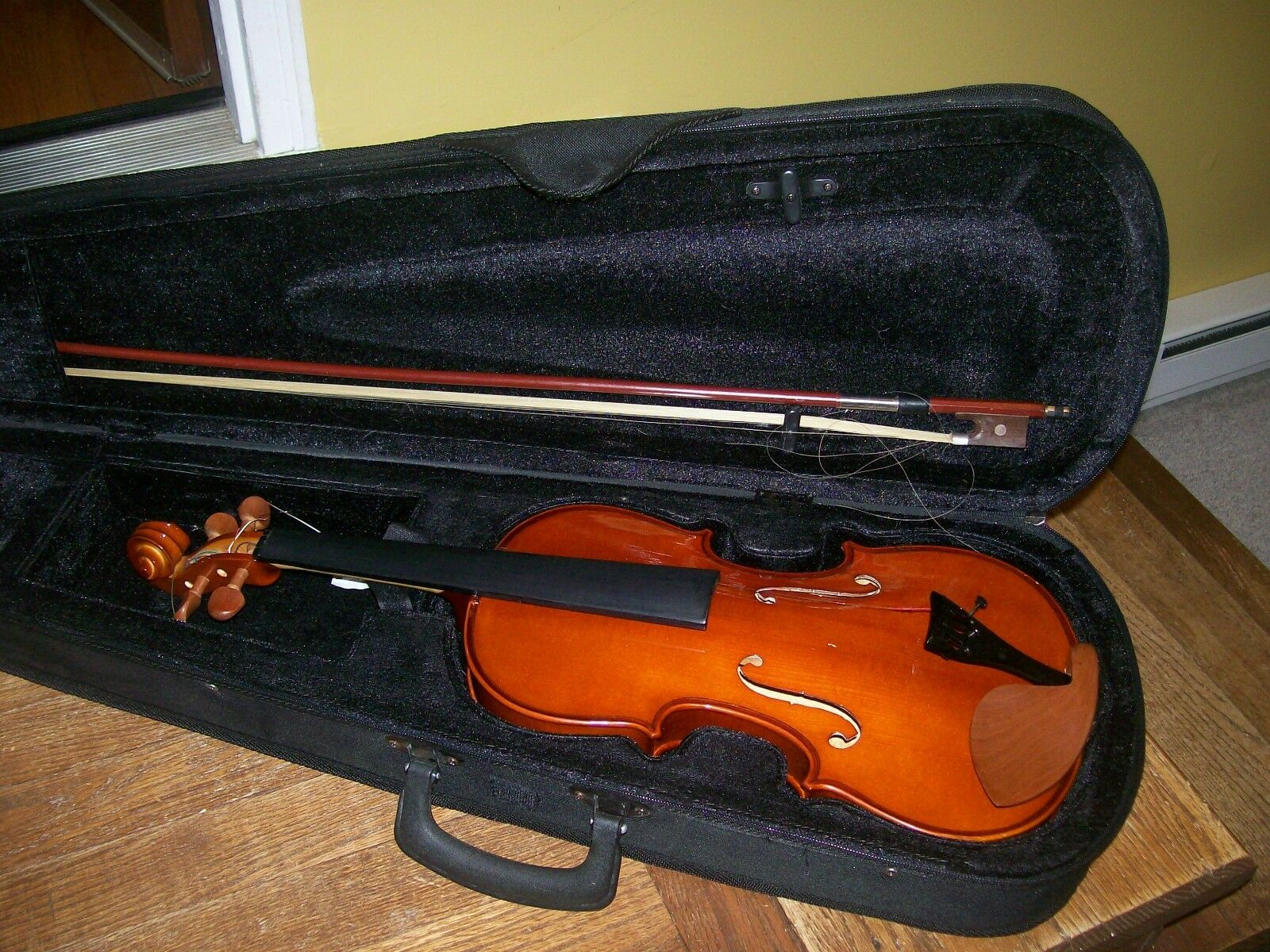Violin w case and bow unmarked