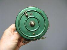 Ancien moulinet de pêche. Pratic Made in France.