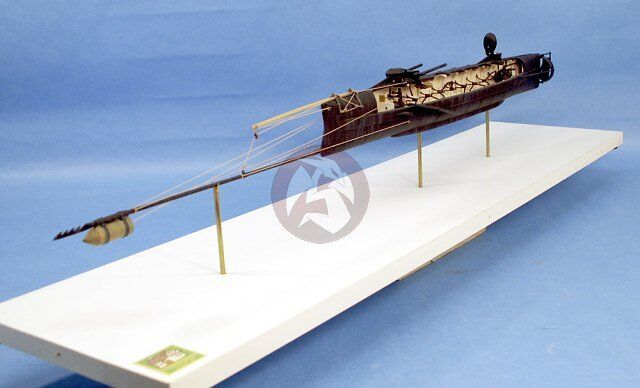 Cottage Industry 1 24 H.L. Hunley Confederate Submarine  Cutaway Edition  24001