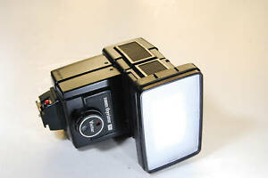 Vivitar-auto-zoom-thyristor-flash-265-hot-shoe