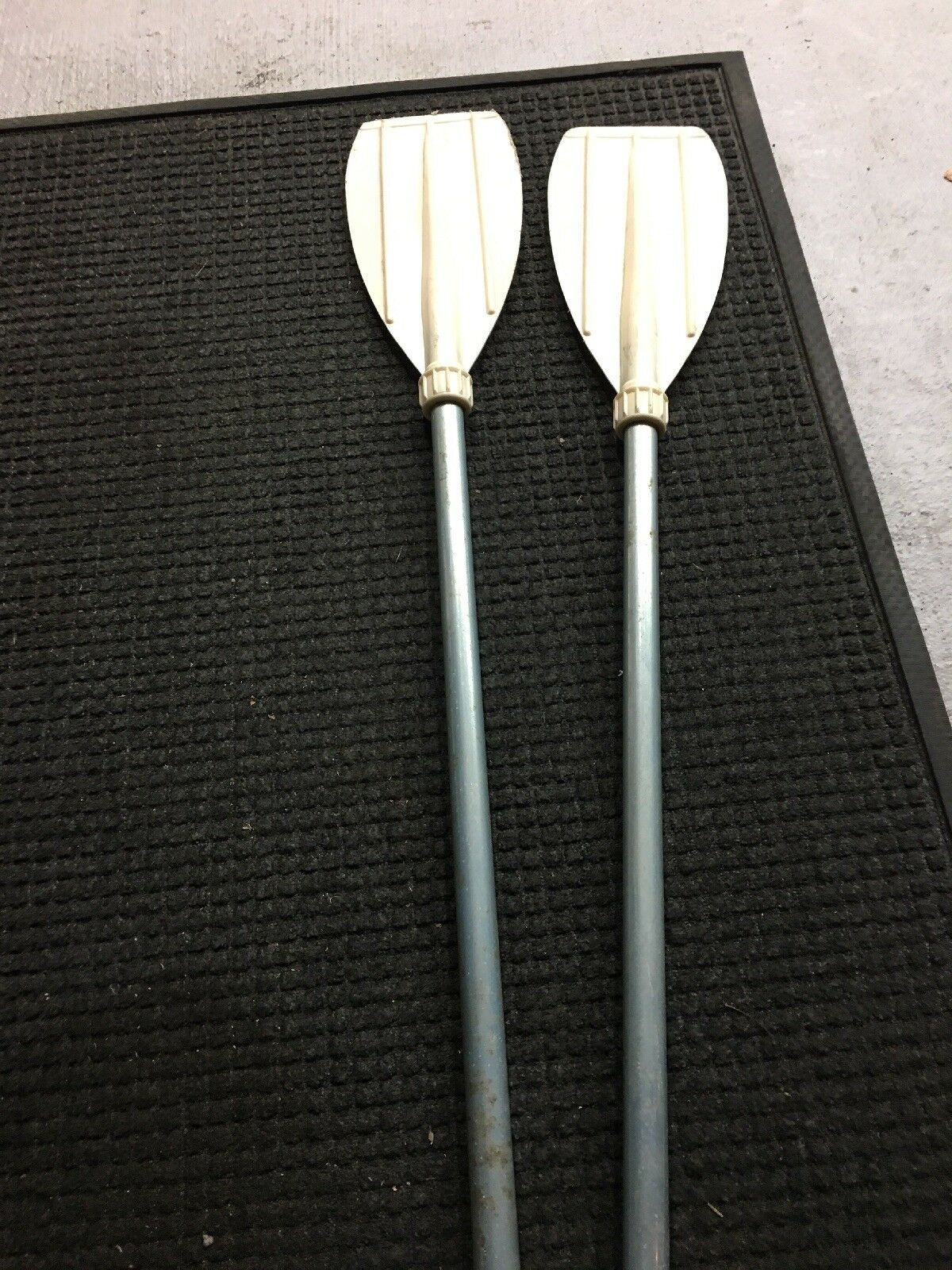 Oars  By Le Petit Indien (France )One Pair  Plastic Paddle Dinghy rowing Boat