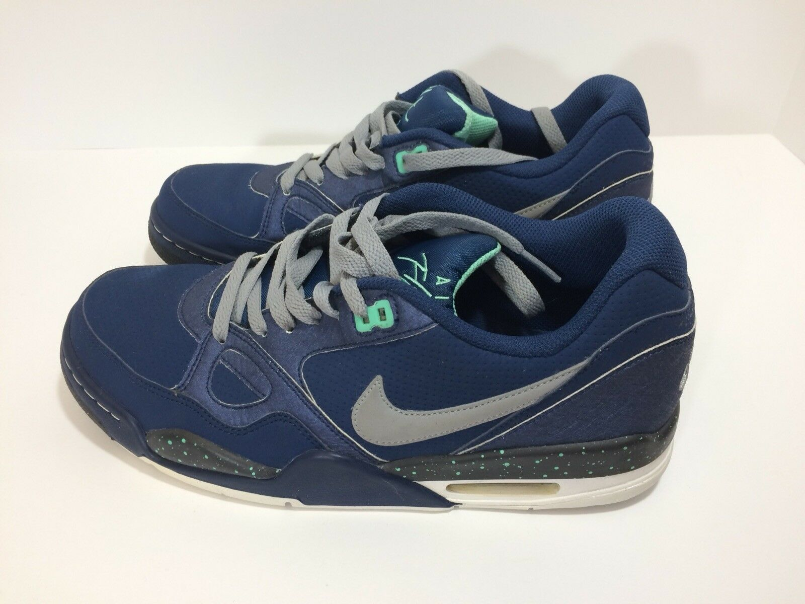 best-selling model of the brand Nike flight 13 trainers 599467 400 Men's Shoes US size 9