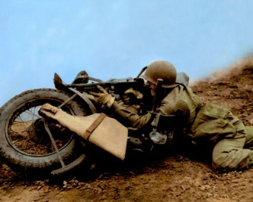 """WWII SOLDIER HARLEY DAVIDSON MOTORCYCLE 1943 8x10/"""" HAND COLOR TINTED PHOTO"""