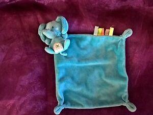 DOUDOU-plat-carre-bleu-elephant-Simba-NICOTOY