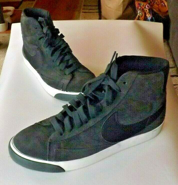 Nike Grey Suede Hightops Size 9  NEW