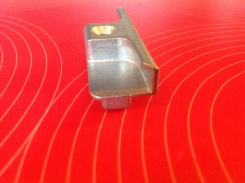 Roto 48230025 Schließblech Schliessstück Holz Euronut inkl Schraube Pilzkopf
