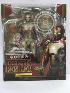S-H-Figuarts-SHF-IRON-MAN-3-MARK-42-MK42-Action-Figures-and-Sofa-Boxed