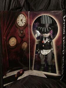 Living-Dead-Dolls-Sybil-as-The-Mad-Hatter-LDD-In-Wonderland-sullenToys