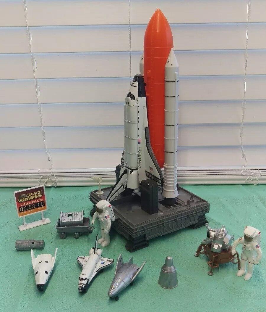 La NASA Discovery États-Unis Blanc Die Cast vaisseau spatial de Collection Jouet