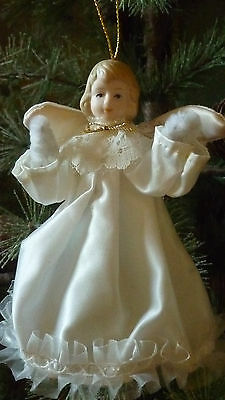 VINTAGE IVORY CREAM CHRISTMAS FAIRY ANGEL TREE TOPPER PIPE CLEANER ARMS