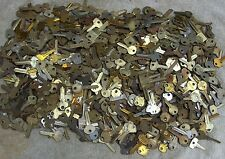 LOT OF 120 ANTIQUE AND VINTAGE   KEYS     OLD LOCK,PADLOCK,TRUNK...