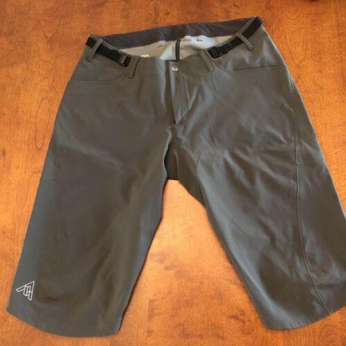 7 Mesh Recon Bike Shorts Medium