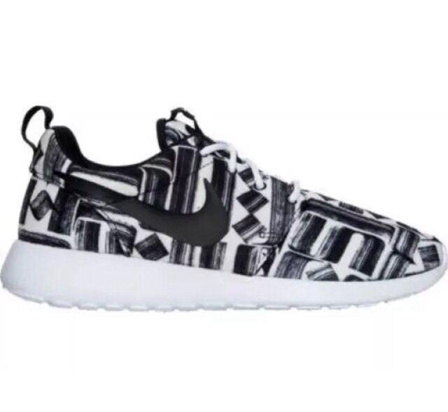 New Black Nike Roshe One Print Black New White 844958-100 NEW Women's Shoes Size 8.5 785345
