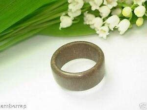 legno-naturale-anello-fatto-a-mano-HR201