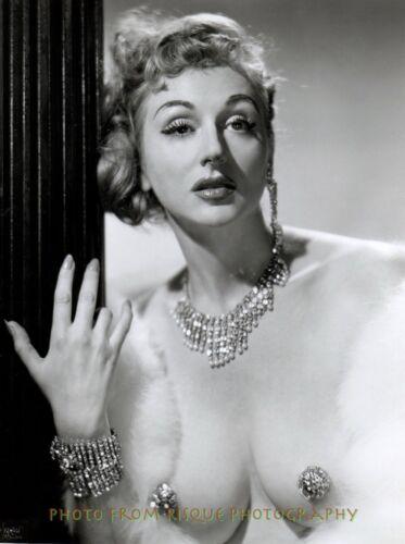 "Lynne O/'Neill Original Garter Girl 8.5x11/"" Photo Print Vintage Burlesque Pasties"