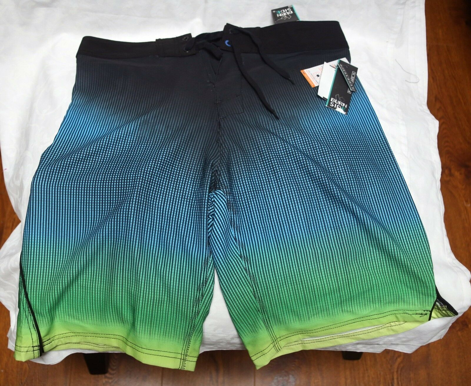 NWT Burnside board shorts size 32, colorful