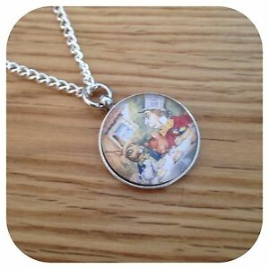 Alice-in-wonderland-Mad-hatter-tea-party-necklace
