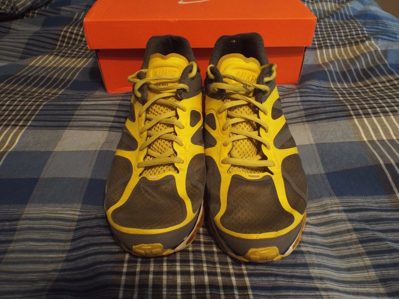 Yellow- Air Max 2012 Mens 10.5 in great condition