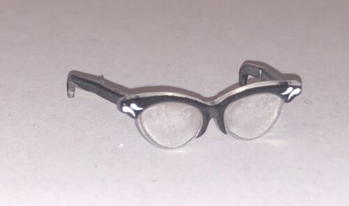 Barbie Doll Outfit Accessory 50/'s Style Black Framed Cat Eye Reading Glasses NEW