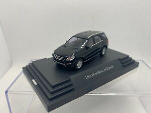 Busch 1:87 Mercedes Benz ML Klasse Dealer Edition