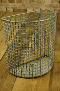 Vintage-Muelltonne-Abfallkorb-Metall-Muelleimer-Papierkorb-Industrie-Drahtkorb