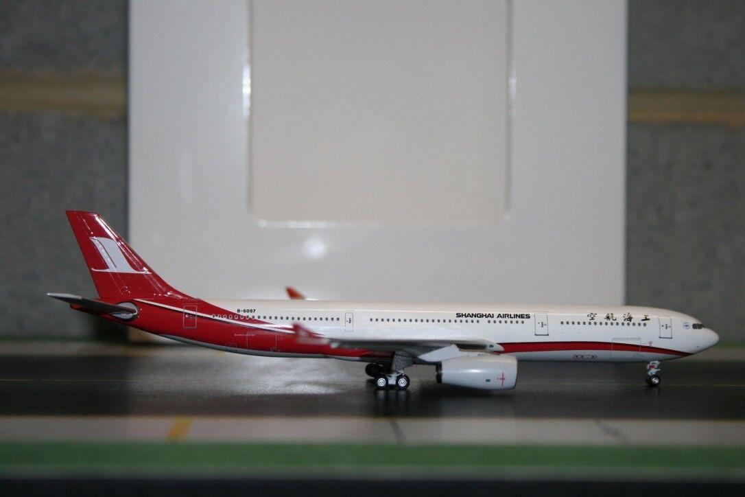 Aeroclassics 1 400 Shanghai Airlines Airbus A330-300 B-6097 (ACB6097) defect