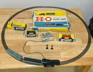 1960-039-s-Louis-Marx-H-O-Remote-Controlled-Battery-Powered-Train-Locomotive-Set