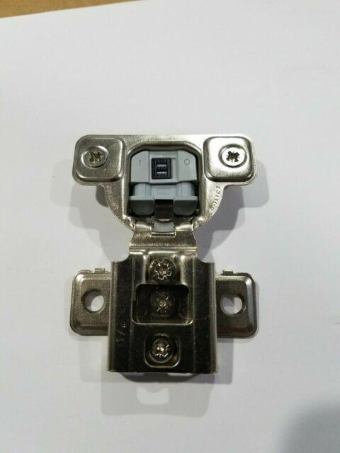"Salice 106 Deg 1//2/"" Silentia Soft Close Press in Face Frame Hinge CUR37D9R"