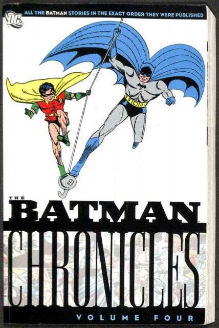 Batman Chronicles Volume 4 (GN)