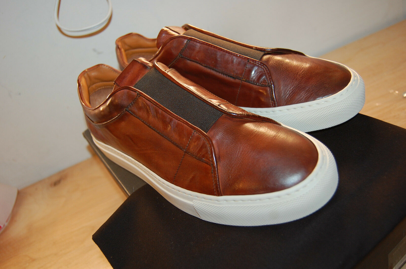 NIB Frye Owen Low Gore 9.5 M handcrafted  478 rotwood Made In  Calf Leather
