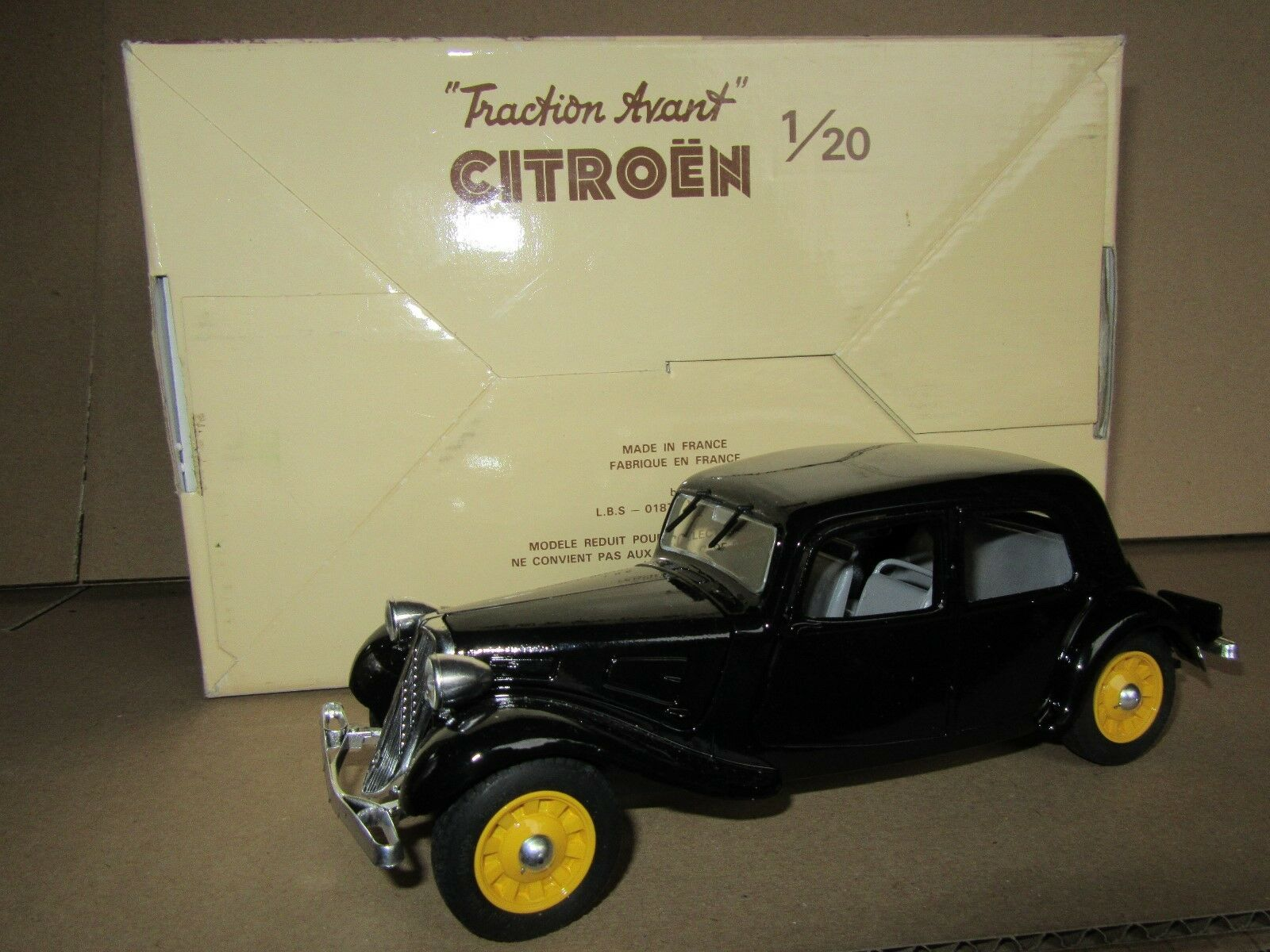295F Eligor Citroën 11cv La Traction Avant 1938 black 1 20