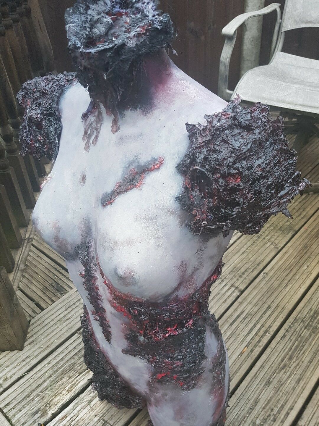 SEXY ZOMBIE GIRL GOTHIC HALLOWEEN CORPSE HORROR PROP FULL GrößeD
