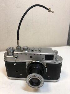 KMZ-Zorki-4-35-mm-Rangefinder-Camera-with-Industar-22-lens-USSR