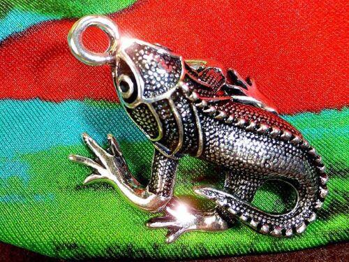 Anhänger Frecher Gecko Farbe: silber; Schmuck als Kette