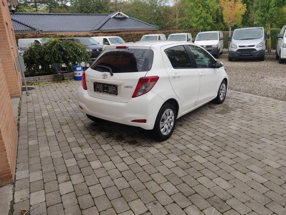 Toyota Yaris 1,4 D-4D T2 Van Diesel modelår 2014 Hvid km
