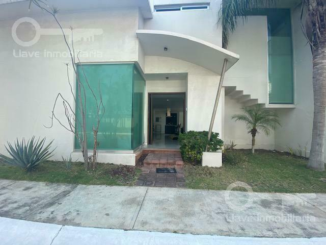 Casa en Renta, Fracc. Arboledas, Coatzacoalcos, Ver.
