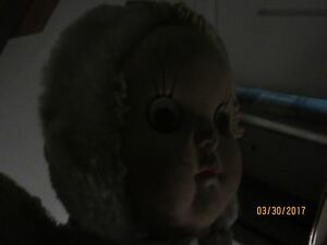 Vintage-Creepy-Spooky-Doll-With-Hypnotic-Eyes-Age-1950-039-s-60-039-s-See-right-eye
